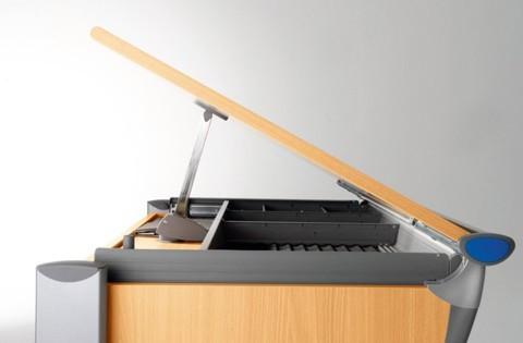 Парта-трансформер Booster Максимальный угол наклона столешницы (18 градусов)