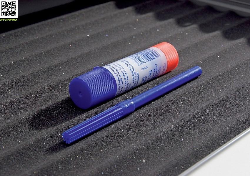 Парта-трансформер Runner Compact Порядок в выдвижном ящике